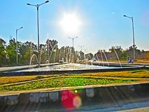 Fonte e raios de sol de água foto de stock royalty free