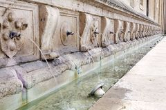 Fonte em Assisi, Úmbria, Itália Foto de Stock Royalty Free