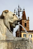 Fonte em Roma, Itália - Praça del Popolo imagem de stock royalty free