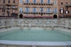 Fonte Gaia, Siena katedra, piazza Del Campo, woda, thermae, pływacki basen, budynek Zdjęcia Stock