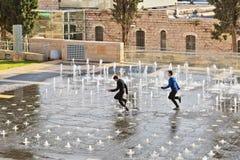 fonte Luz-musical em Teddy Kollek Park no Jerusalém Fotos de Stock