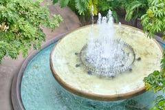 Fonte no jardim Fotos de Stock Royalty Free