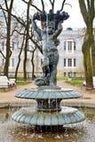 Fonte no jardim da cidade foto de stock royalty free