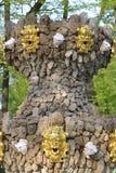 Fonte no jardim renovado do verão imagens de stock royalty free