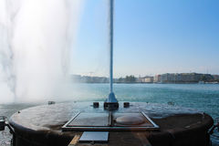 Fonte no lago Genebra Imagens de Stock Royalty Free