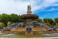 Fonte no lugar de la Rontonde em Aix-en-Provence, França Fotografia de Stock