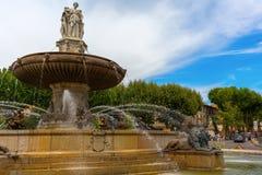 Fonte no lugar de la Rontonde em Aix-en-Provence, França Fotos de Stock