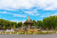 Fonte no lugar de la Rontonde em Aix-en-Provence, França Foto de Stock Royalty Free
