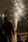 Fonte no quadrado de Wenceslas, Praga do fogo de artifício do ano 2015 novo Imagens de Stock