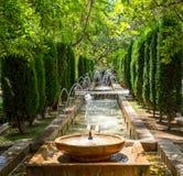 Fonte nos jardins de Almudaina - Palma de Mallorca, Espanha foto de stock royalty free