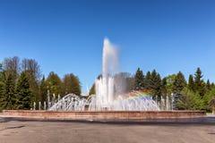 Fonte nova em Victory Park marítima na ilha de Krestovsky em St Petersburg Imagem de Stock