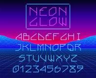 Fonte retro d'ardore al neon o del laser del gioco composto con le lettere e le cifre illustrazione di stock
