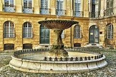 Fonte velha em Aix-en-Provence, França Fotografia de Stock Royalty Free