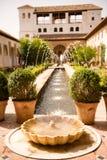 Fontein in een terras van Spanje Stock Afbeeldingen