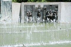 Fontein en monument bij Onafhankelijkheidsvierkant in Mendoza royalty-vrije stock fotografie