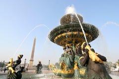 Fontein en Obelisk in Parijs Stock Fotografie