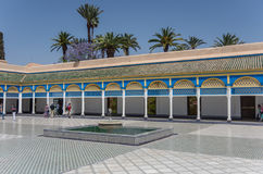 Fontein in het paleisbinnenplaats van Bahia Marrakech, Marokko stock foto's