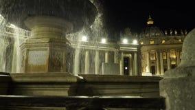 Fontein in het vierkant van Vatikaan stock footage