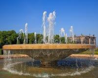 Fontein multi-tiered in het park Stock Afbeelding