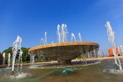 Fontein multi-tiered in het park Royalty-vrije Stock Afbeelding