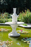 Fontein Nikita Botanical Garden De Krim, Yalta royalty-vrije stock foto