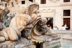 Fontein op het vierkant naast het Pantheon in Rome royalty-vrije stock afbeelding