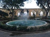 Fontein in Triq Sant& x27; orsla, Valletta, Malta Stock Foto's
