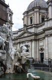 Fontein van de Vier Rivieren en de Heilige Agnes in Rome Stock Fotografie