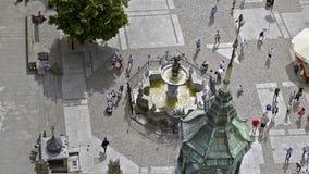 Fontein van Neptunus, stad-haven Gdansk in Polen stock video