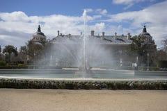 Fonteinen en tuinen van het paleis van Aranjuez in Madrid, Spanje royalty-vrije stock afbeelding