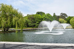 Fonteinen in tepark stock fotografie