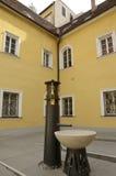 Fonteinontwerp in terras Royalty-vrije Stock Foto