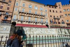 Fonten Gaia - Siena Toscana Italy Arkivfoton