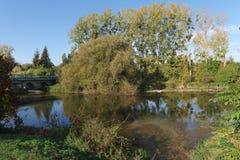 Fontenay-sur Loing-Brücke lizenzfreie stockfotos