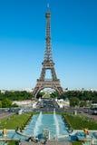 Fontes de Trocadero, torre Eiffel e Champ de Mars II fotografia de stock royalty free