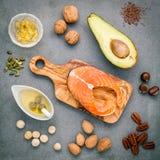 Fontes do alimento da seleção da ômega 3 e de gorduras não saturadas FO super foto de stock