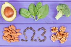 Fontes naturais de ?mega 3 ?cidos, gorduras n?o saturadas e fibra, conceito saud?vel da nutri??o fotografia de stock