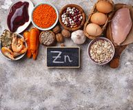 Fontes saudáveis do produto de zinco foto de stock