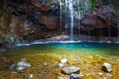 Fontes Wasserfall Levada DAS 25 Stockfoto