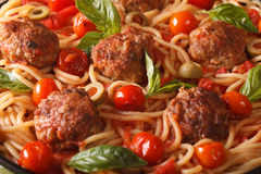 Food background: spaghetti with meatballs and tomato macro. hori Stock Photography