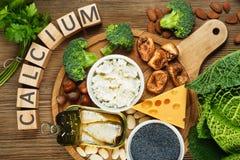 Foods som är rika i kalcier Royaltyfri Foto