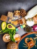 Foods Wysocy w cynk gdy ryba, garnele, wołowina, ser, szpinak, kakao, dyniowi ziarna, krab, czarny kawior, czosnek, koks obrazy royalty free