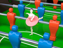 Foosball tabell med dansareflickan, kvinnliga sportbegrepp Arkivbilder