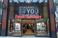 Foot Locker ostenta a loja dos calçados e da roupa fotos de stock