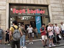FOOT LOCKER -SCHOENopslag stock fotografie