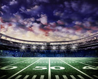 Footall stadium z s spektakularny niebem zdjęcia royalty free