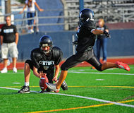Football americano della gioventù il calcio Fotografia Stock Libera da Diritti