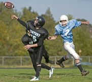 Football player pass Royalty Free Stock Photography