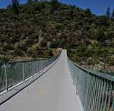 Footbridge следа Рекы Сакраменто Стоковая Фотография