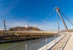 Footbridge nad Altmuehl rzek? w Kelheim fotografia royalty free